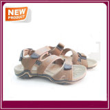 Sapatas da sandália da praia dos homens para o verão