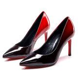 Sapatas ocasionais por atacado de dedo do pé quadrado dos planos do couro de patente das senhoras