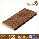 Decking en bois du composé WPC de matériau de construction de constructeur de Guangdong pour la vente en gros