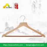 De houten Hangers van het Kostuum met de Staaf niet van de Misstap (WS400)