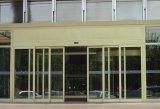 Широкий напряжение стекла дверей с помощью сертификат CE начального уровня в коммерческих целях
