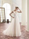 V Rückseite gefaltetes Chiffon- A - Zeile Hochzeits-Kleid mit dekorativer Spitze an der Taille
