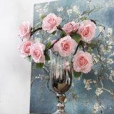 Vite artificiale di seta sembrante reale del fiore della Rosa