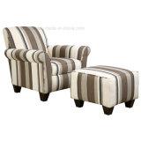 Presidenza del sofà del sofà del salone dell'albergo di lusso singola con l'ottomano