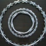 機密保護によって保護されるアコーディオン式かみそりの有刺鉄線