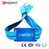 Braccialetti tessuti personalizzati del tessuto RFID di festival con la modifica del PVC
