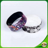 Bracelets en caoutchouc de silicones d'impression d'écran en soie pour le cadeau de décoration