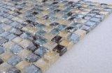 壁の台所Backsplashのためのガラスきらめきのモザイクは卸しでタイルを張る