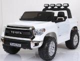 Passeio de eléctrico de Licenciados Toyata crianças no carro de brinquedos
