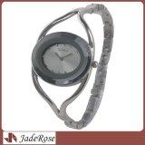 Montre-bracelet en cristal ovale occasionnelle de bracelet de robe, montre de quartz de dames de mode
