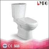 Toilette en céramique en deux pièces affleurante duelle d'articles de lavage à grande eau sanitaire de salle de bains