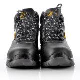 Zapatos de seguridad del hombre del trabajo