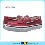人のための赤い余暇のボートの靴