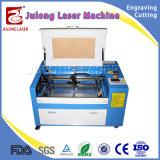 máquina de gravura do laser do CO2 50W mini para o uso dos frascos de vidro da gravura giratório