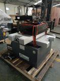 Corte de alta velocidad EDM del alambre del CNC de la operación fácil Dk7725