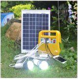 El sistema de energía solar pequeño suministra energía para todo tipo de baja tensión de los aparatos eléctricos