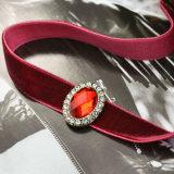 Cristal transparent de Rhinestone ovale rouge pourpré avec 2 colliers de foulard de velours de couleurs