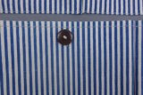 Un sac à rayures bleues Wall Hanging avec cinq poches