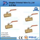 Pulgada de cobre amarillo aprisa conectada de la vávula de bola de la alta calidad ISO228 1-1/4 para el agua