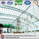 Hangar de los aviones de la estructura de acero con la azotea del arco