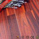 AC4 AC3 lamellenförmig angeordneter Bodenbelag in der Küche