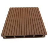 Plancher imperméable à l'eau extérieur composé en plastique en bois du Decking WPC de WPC