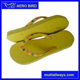 Soli pattini del sandalo dei pistoni di colore del PE esterno semplice puro delle ragazze