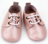 Solf grossista cor-de-rosabebê calçado de couro