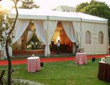 Tende mobili esterne della tenda foranea del tetto della radura della tabella con la parete libera