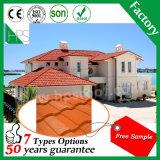 Stone tuile de toit en métal recouvert de matériaux de construction de matériaux de construction de bâches de toit de la qualité de l'échantillon gratuit de 50 ans de garantie