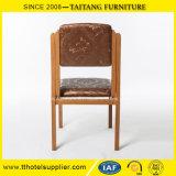 Metal que janta a cadeira com o coxim high-density do plutônio da espuma
