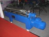 自動連続的な排出の水平の螺線形のデカンターのココナッツ油の遠心分離機機械