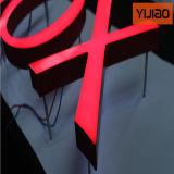 Lettres acryliques coupées par laser de qualité