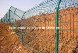 PVC上塗を施してあるチェーン・リンクの塀を囲う中国のチェーン・リンクの金網