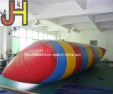 Gota inflável de salto da catapulta da água do saco da água quente da venda