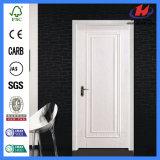 Дверь белизны нутряных дверей панели сосенки законченный