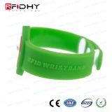 Personalizar el diseño de Pulsera RFID de PVC para la gestión de fichas