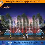 Fontaine d'eau de jardin avec les lumières imperméables à l'eau de DEL