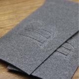 Étiquette en cuir faite sur commande de Debossed de mode pour le denim