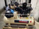30bar空気タンクが付いている高圧ピストン空気圧縮機を使用して吹くびん