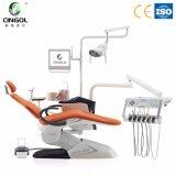 Cadeira dental do projeto novo com a lâmpada dental do sensor do diodo emissor de luz