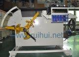 主要な自動車OEM (RUS-300F)のDecoilerのストレートナの送り装置機械