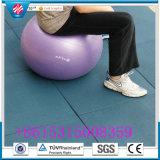 Crossfitの体操のゴム製フロアーリングのマット、運動場のゴム製床タイル