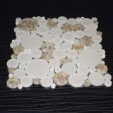 Белая круглая плитка мозаики кристаллический стекла раковины