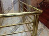 Edelstahl-Rohr für Treppenhaus