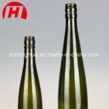 コルクストッパーが付いているワイングラスのTokayの緑のびん