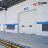 Вид в поперечном разрезе промышленности прокрутите вверх из алюминия двери гаража дистанционного управления