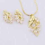 De gelukkige Ontwerpen van CZ van de Manier van de Juwelen van de Vrouwen van het Blad 18K Gouden Geplateerde Vastgestelde