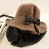 Связанный способом шлем шерстей для женщин