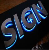 O metal feito sob encomenda assina sinais Backlit diodo emissor de luz do quadro de avisos